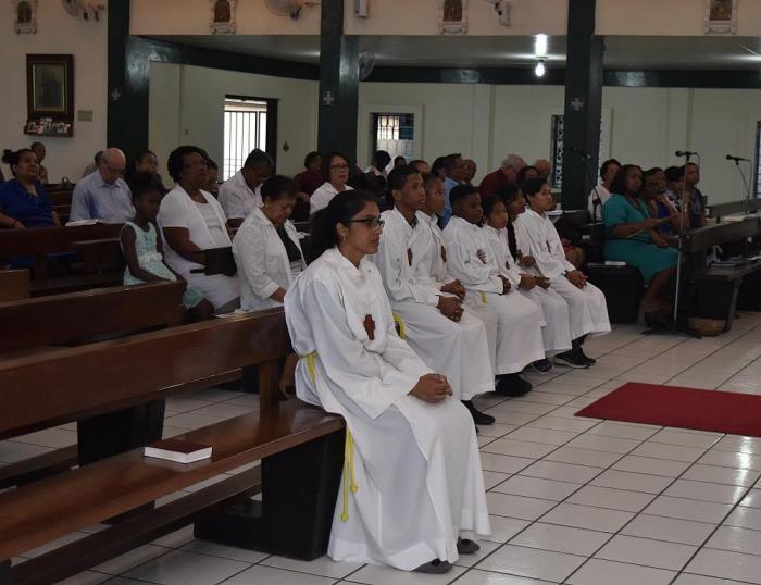 61-015a-10122017-46-A3-Samen bidden om roepingen