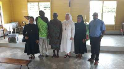 A2-Zusters Franciscanessen op bezoek-03-0302-01